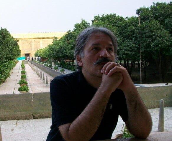 حفره های نادیدنی میدان شوش / بهمن نمازی