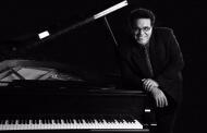 انعکاس هویت ایرانی در آثار ارکسترال و پیانویی مختلف امین الله حسین آهنگساز مشهور ایرانی الاصل فرانسوی /  گفت و گو با کیومرث پیرگلو